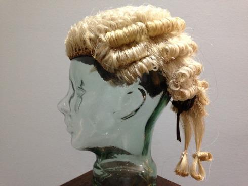 wig-1231543_1920